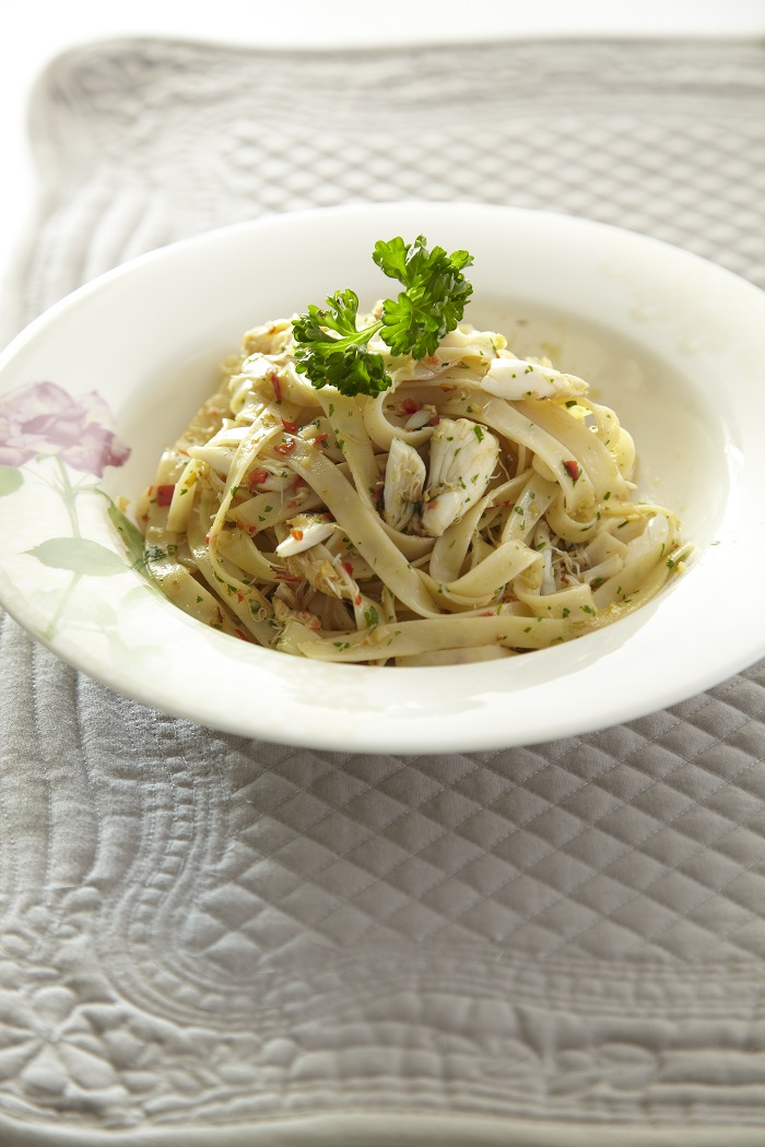 Crab Fettuccine with Chili & Parsley
