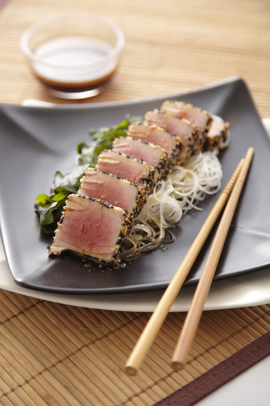 Japanese Seared Tuna with Sesame and Soy Sauce Dressing