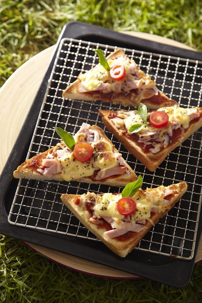Pizza Toast with Prosciutto and Red Onion