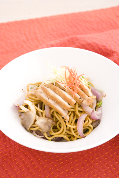 stir-fry-hokkien-noodles-with-chicken-and-oyster-mushrooms